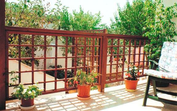 Terrazzo Con Grigliati: Come arredare il balcone: idee e consigli.