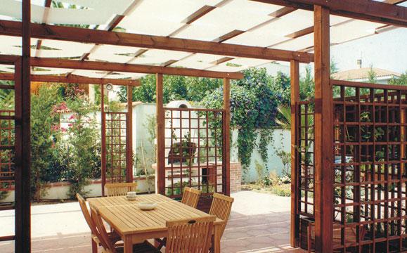 giardino moderno con pergola : Pergolati - Sunwood - Arredi per Parchi e Giardini, Arredi Urbani ...