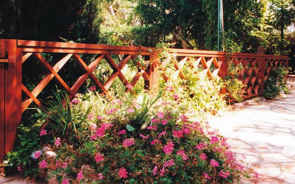 Recinzioni e cancelli serie roma recinzioni e cancelli for Corrimano in legno roma